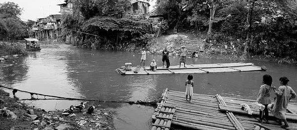 Transportasi tempo doeloe di jalur Kalimalang.(ist)