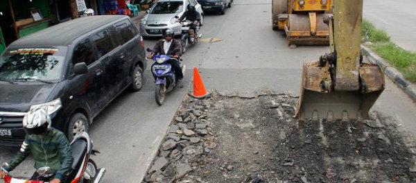 Perbaikan jalan protokol di Kota Bekasi.(dok)