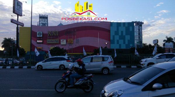 Salah satu Mall di Kota Bekasi. [YAN]