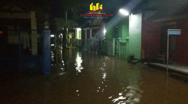 Bnajir rendam ratusan rumah di Setu, Kabupaten Bekasi.[FER]
