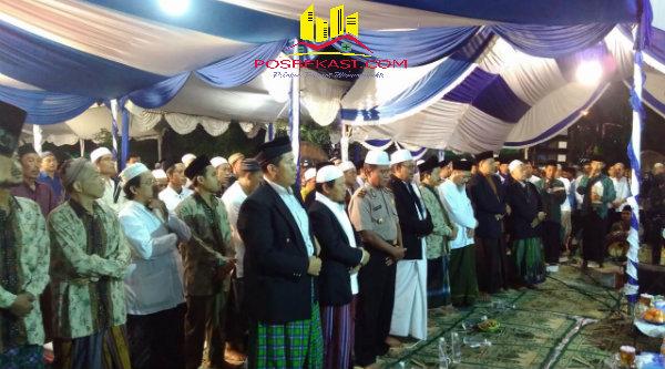 Para tokoh Bekasi hadir dalam Haul ke-13 KH Mahfuts Syafii dan Nyai Hj.Muchsonah Ch.[IDH]