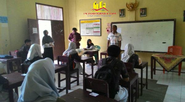 Ujian Nasional di wilayah Kecamatan Setu, Kabupaten Bekasi.[FER]