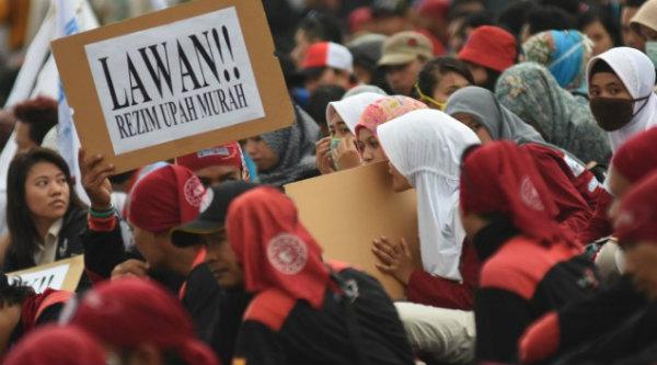 Aksi buruh minta kenaikan upah minimum regional (UMR).[DOK]