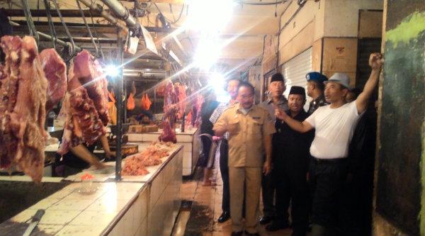 Walikota Bekasi Rahmat Effendi sidak Pasar Baru.[IST]