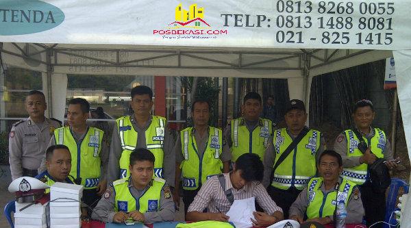 Tim pengamanan Posko Rest Area KM 19 Tambun.[YAN]