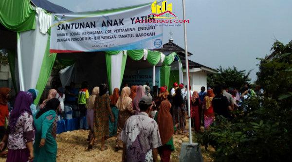 Yayasan Pondok Ilir Ilir, Desa Ciledug, Setu, Kabupaten Bekasi, menggelar bakti social, Sabtu (21/5/2016).