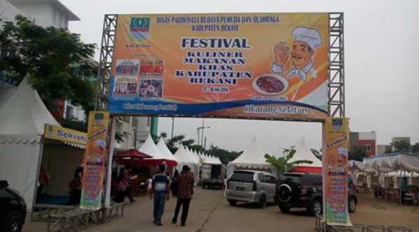 Festival makanan khas Kabupaten Bekasi.[kiriman Afif Ridwan]