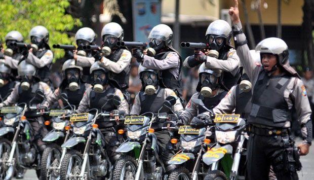 Polisi bersiaga.]DOK]