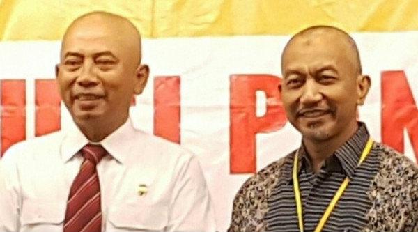 Walikota Bekasi Rahmat Effendi dan Wakil Walikota Bekasi H Ahmad Syaikhu lebih dahulu mmepelontos kepala mereka.[IST]