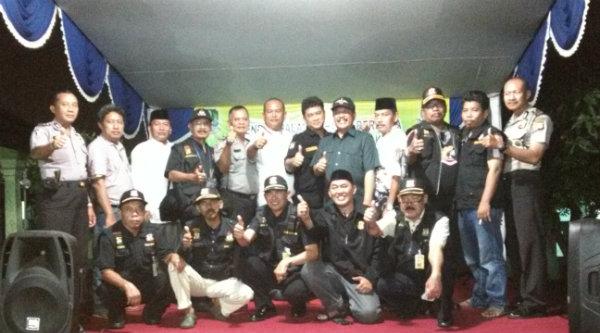 Pokdarkamtibmas 214 Jatiranggon menggelar Halal Bi Halal.[IDH]