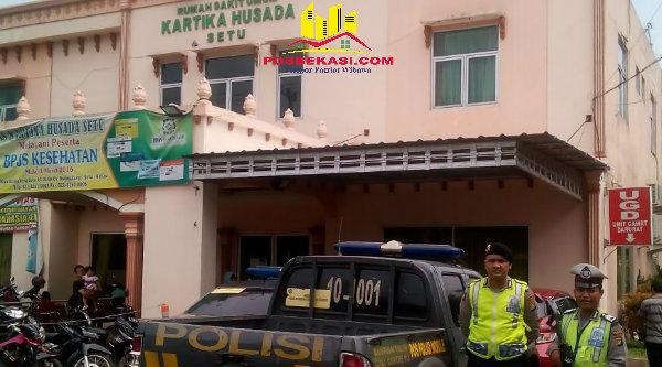 Pengamanan RS Kartika Husada Bekasi oleh jajaran Polsek Setu.[SOF]