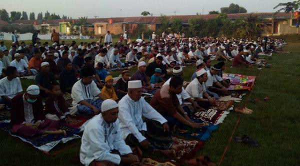 Umat muslim di BTR melaksanakan shalat Ied.[IMA]