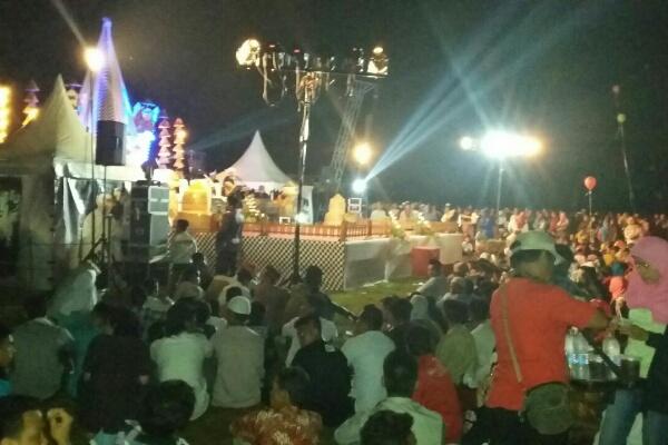 Bupati Bekasi dan Bupati Purwakarta hadiri Tabliq Akbar di Kecamatan Setu.[RAD]