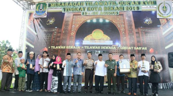 Wakil Walikota Bekasi H Ahmad Syaikhu bersama Muspika menutup Mushabaqoh Tilawatil Quran (MTQ) Ke-18 tingkat Kota Bekasi.[IDH]