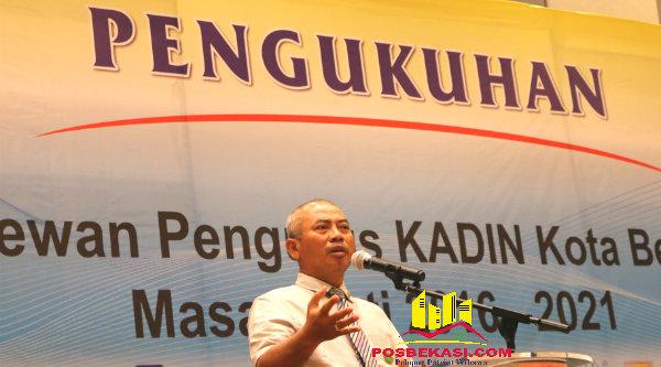 Walikota Bekasi, Rahmat Effendi saat pengukuhan pengurus Kadin Kota Bekasi periode 2016-2021.[IDH]