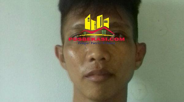 Pelaku curanmor Suyanto alias Acong yang diamankan Polsek Setu dalam penggerebekan di Kampung Cikedokan, Desa Cibening, Kecamatan Setu, Senin 19 September 2016.[BEN]