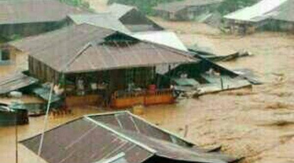Banjir bandang Garut merendam ratusan rumah penduduk.[IST]