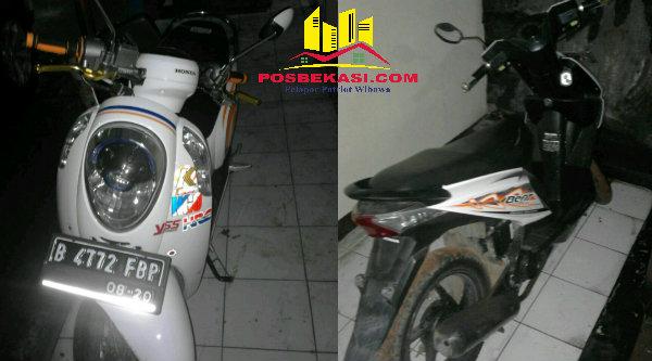 Dua unit sepeda motor yang berhasil diamankan Polsek Setu dalam penggerebakan yang di rumah kontrakan Kampung Cikedokan RT01/03, Desa Cibening, Kecamatan Setu, Kabupaten Bekasi, Senin 19 September 2016.[BEN]