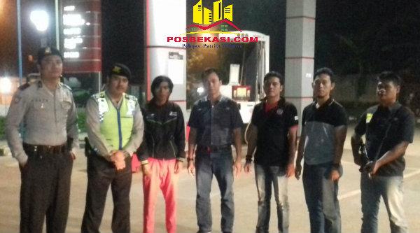 Tim patroli Polsek Setu menggelar operasi cipkon dipimpin langusng Kanit Reskrim, Iptu Iwan Gunawan.[SOF]