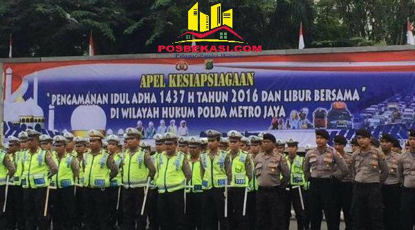 Pasukan apel kesiapan pengamanan Idul Adha di Lapangan Ditlantas Polda Metro Jaya, Kamis, 8 September 2016.[Ismail Hasibuan]