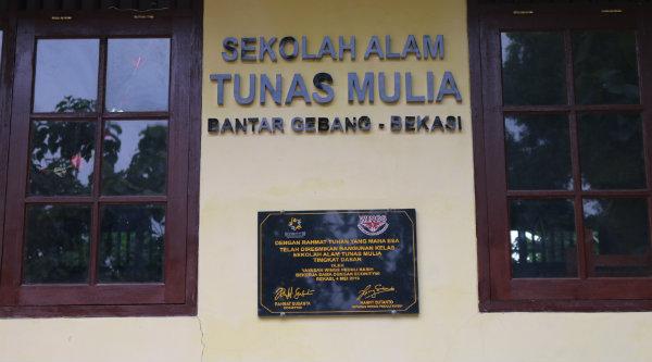 Sekolah Alam Tunas Mulia di TPA Bantar Gebang.[ISH]