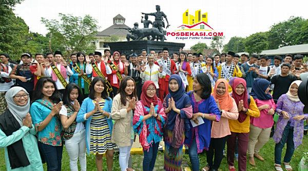 Wakil Walikota Bekasi Ahmad Syaikhu bersama para peserta Istagram Meet aktif.[ISH]