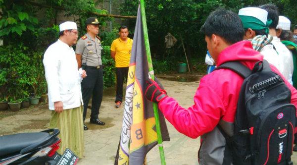 FMBS dan FMBR Kabupaten Bekasi siap berangkat ke Jakarta menuntut penistaan agama yang dilakukan Ahok.[IDH]