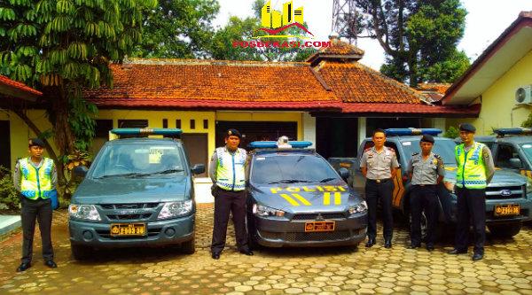 Mobil dinas Polsek Metro Setu dirawat berkala sehingga tetap layak pakai untuk memantau keamanan di desa-desa wilayah Kecamatan Setu, Kabupaten Bekasi.[RAD}