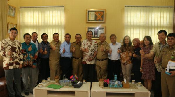 Walikota Bekasi Rahmat Effendi menerima audensi Apindo Kota Bekasi, Senin 31 Oktober 2016.[ISH]