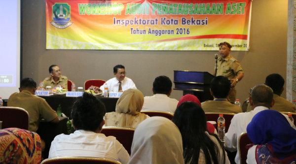 Walikota Bekasi Rahmat Effendi membuka Workshop Audit Penatausahaan Aset Daerah di Hotel Amaroosa, Senin 28 Nopember 2016.[BEN]