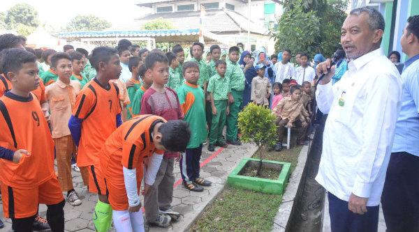 Wakil Walikota Bekasi H Ahmad Syaikhu membuka lomba Gamais Ke-6 di SDIT Gameel Akhlak Rawalumbu, Rabu 16 Nopember 2016.[ISH]