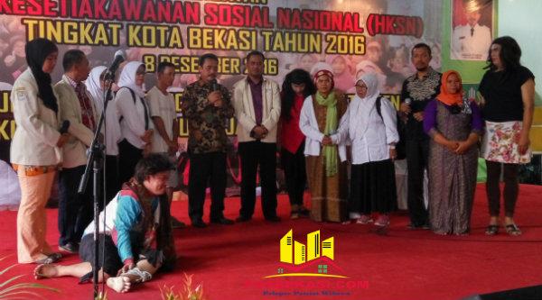 Penyandang cacat ikut ramaikan gebyar HKSN Kota Bekasi.[BEN]