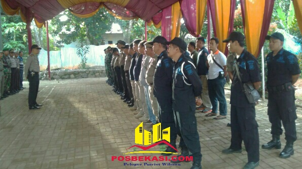 Kapolsek Setu AKP Agus Rohmat pimpin apel Ops Lilin Jaya 2016.[BEN]