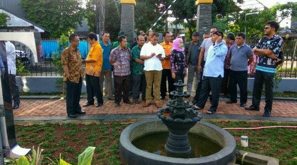 Walikota Bekasi, Rahmat Effendi, berencana bangun wisata air di Taman Tirta.[BEN]