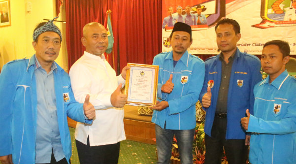 Walikota Bekasi Rahmat Effendi hadiri rapat kerja KNPI Kota Bekasi di Hotel Sari Ater, Subang, Rabu 18 Januari 2017.[BEN]
