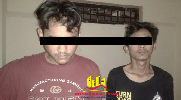 Dua pelaku pengedar sabu yang diringkus Buser Reskrim Polsek Setu.[HSB]