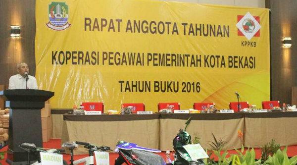 Walikota Bekasi, Rahmat Effendi pada rapat anggaran tahunan KPPKB, Sabtu 28 Januari 2017.[BEN]