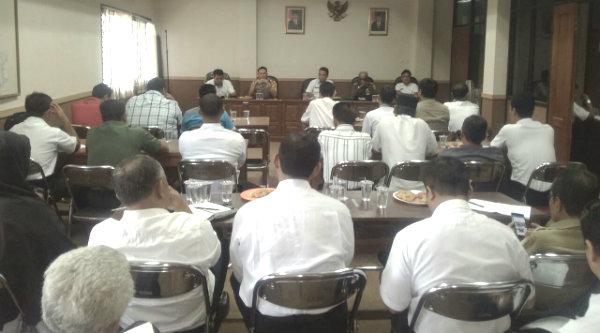Rapat Minggon jajaran Tiga Pilar Kecamatan Setu, Rabu 8 Februari 2017.[HSB]
