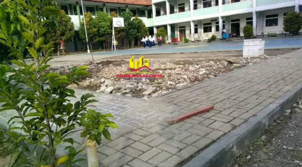 Lapangan SMPN 33 Kota Bekasi yang menjadi target OSIS untuk membantu pihak sekolah membangunnya.[RAD]