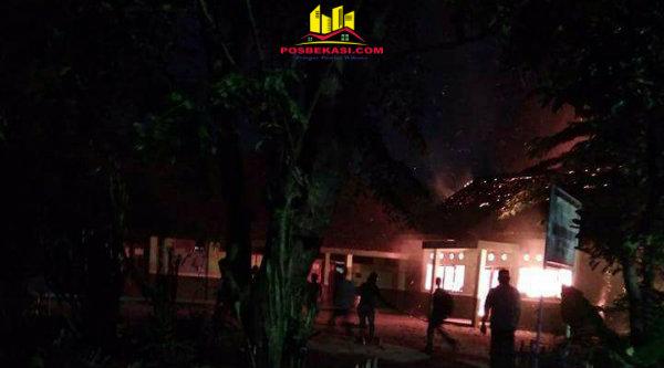 Gedung perpustakaan SDN 03, KampungMuara Tawar, ludes terbakar pada Kamis 23 Februari 2017.[ZLD]