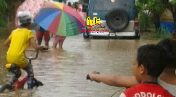Banjir di Perumahan Taman Rahayu Regensi 2 Kecamatan Setu.[RIK]