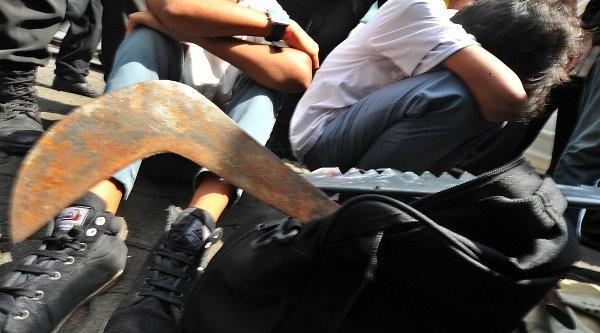 Senjata clurit yang biasa digunakan pelajar saat tawuran.[IST]