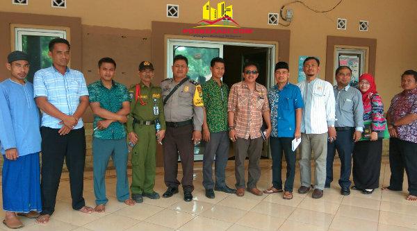 Komisi II DPRD Kabupaten Bekasi saat melakukan kunjungan kerja ke Desa Kerta Rahayu, Kamis 30 Maret 2017.[RIK]