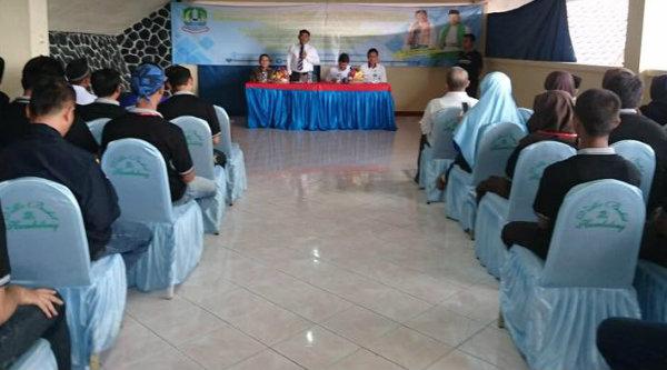 Walikota Bekasi Rahmat Effendi pada pembukaan Training dan Pembinaan Pemuda Kota Bekasi di Vika Bukit Hambalang, Kabupten Bogor, 29 Maret 2017.[ISH]