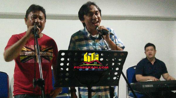 Ketua FWP Naek Pangaribuan dan anggota FWP Daniel.[YAN]