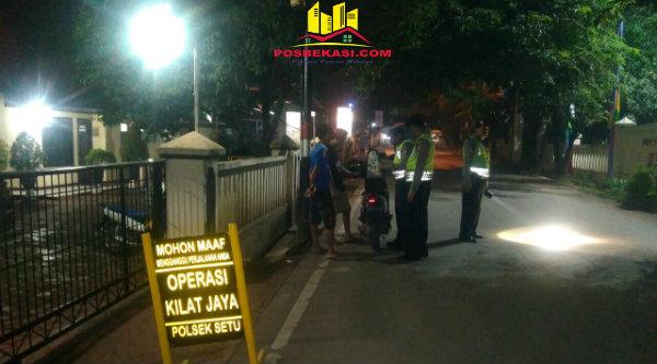 Operasi Kilat Jaya  2017 yang digelar Polsek Setu menjaring dua kenderaan roda dua tanpa dilengkapi surat.[MIN]