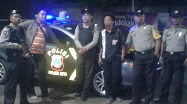 Patroli mobile Polsek Setu saat melakukan pemantauan wilayah hingga Selasa 21 Maret 2017dinihari.[MIN]