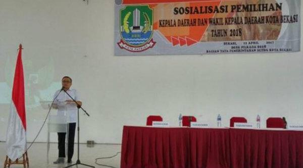 Asisten Pemerintah Kota Bekasi Dinas Faisal Badar membuka sosialisasi Pilkda Kota Bekasi, Rabu 12 April 2017.[ISH]