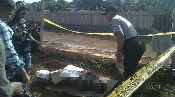 Mayat pria tanpa identitas diduga korban pembunuhan mengambang di Kali CBL.[IST]