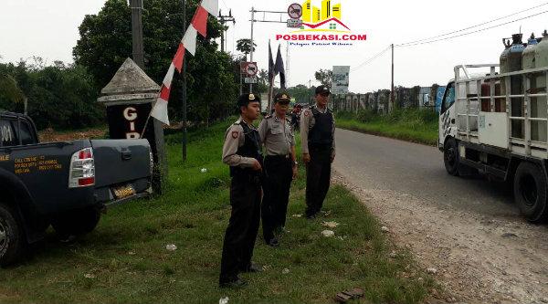 Patroli Mobile Polsek Setu saat berjaga di lintas perbatsan wilayah.[RIK]